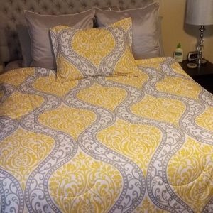 YELLOW AND GREY CHEVRON COMFORTER